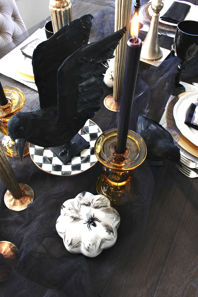 elegantly-spooky-halloween-table-5