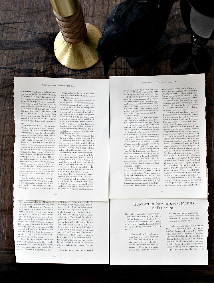 halloween-book-page-placemat