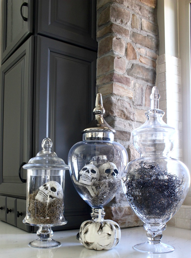 halloween-decor-ideas-with-apothecary-jars