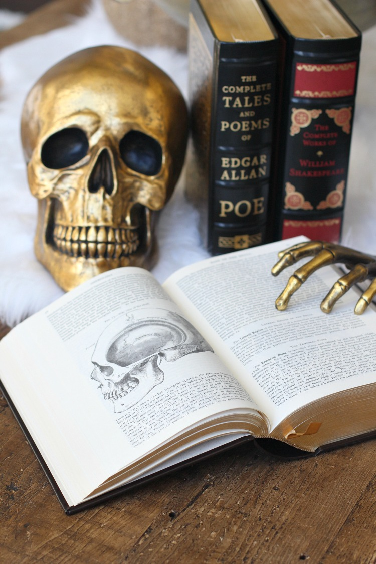halloween-decorating-ideas-with-books