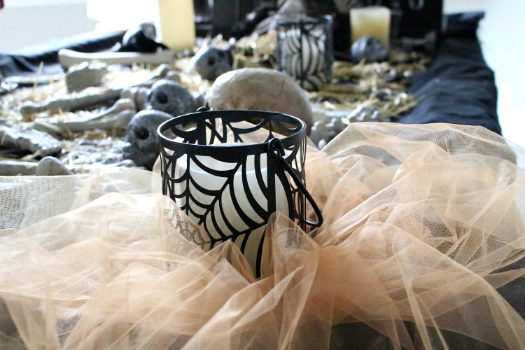 halloween-decorating-ideas-with-tulle