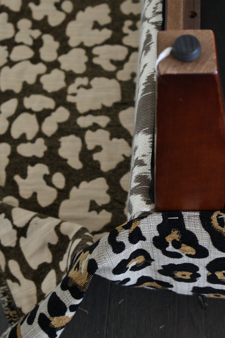 leopard-ottoman-diy-4