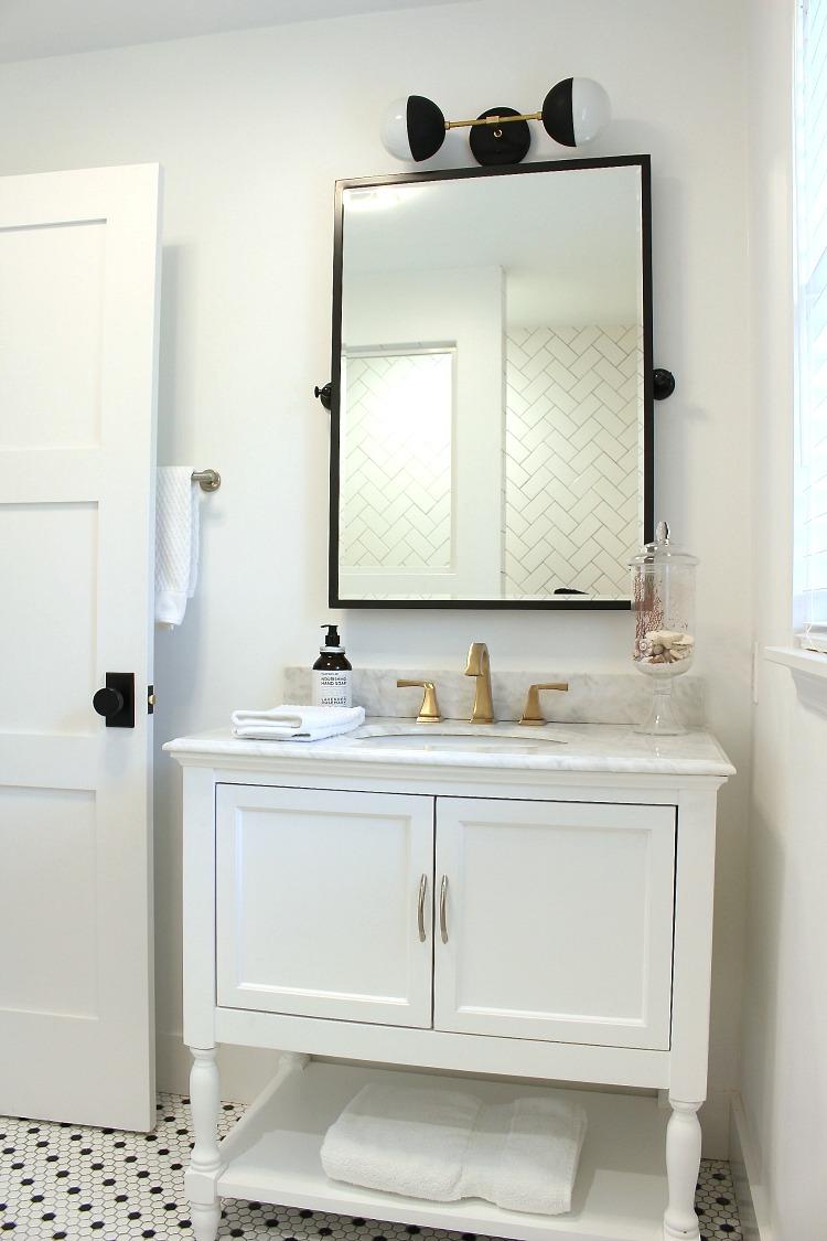 beach-cottage-vintage-modern-bathroom