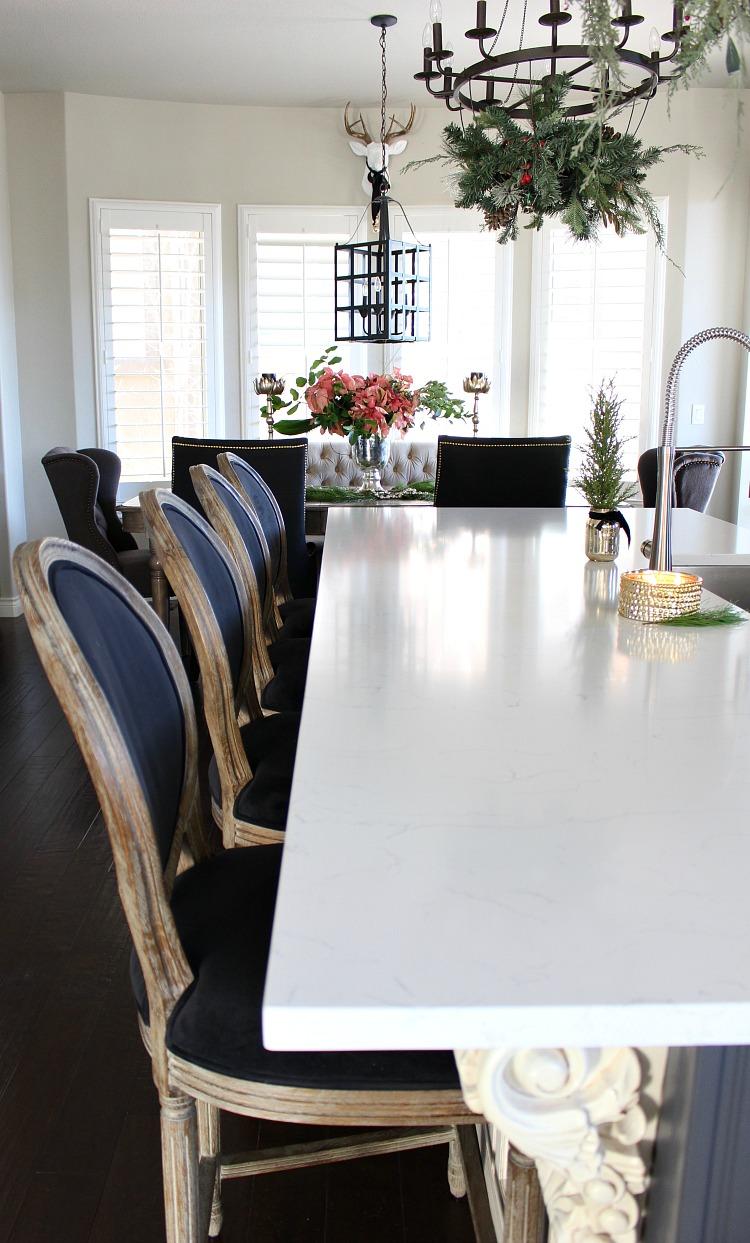 beautiful-white-kitchen-holiday