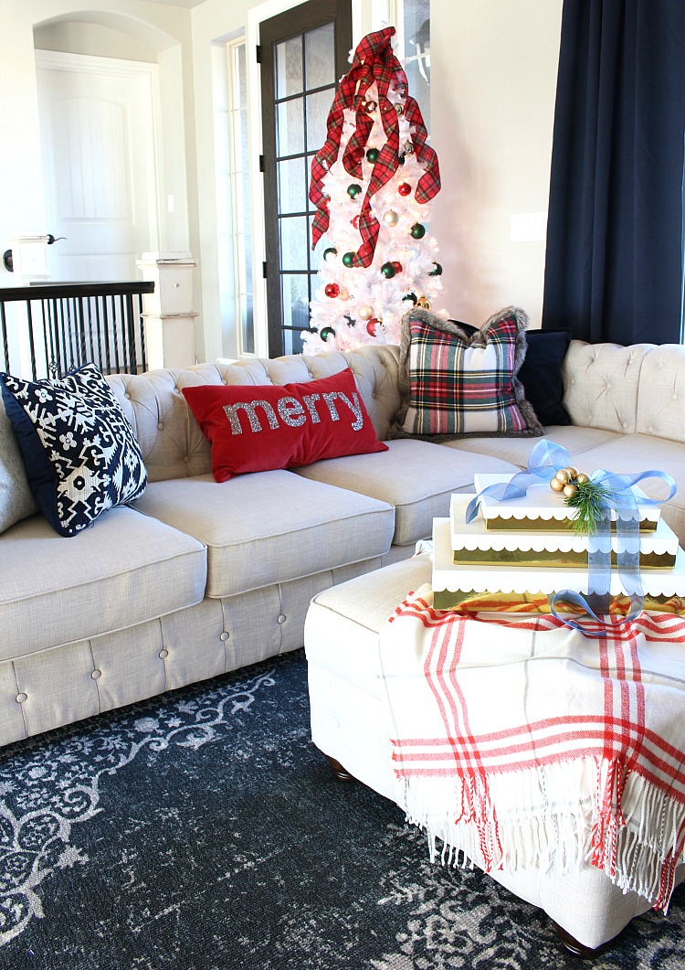 blue-red-white-gold-christmas-decorating