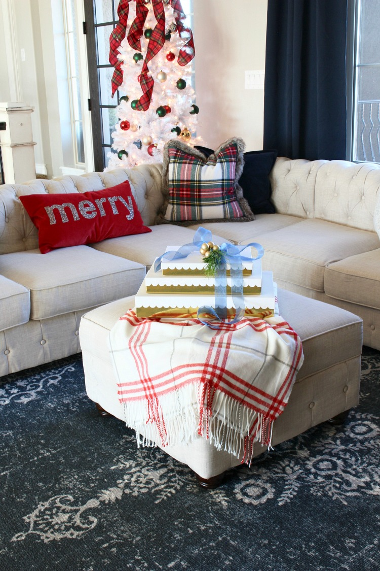 modern-christmas-home-with-white-tree
