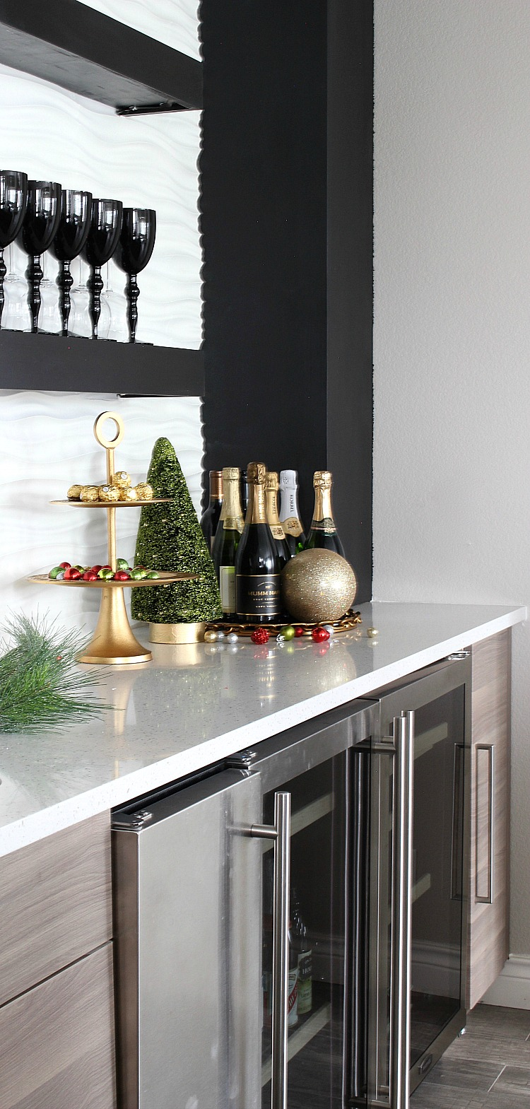 modern-home-bar-christmas-8