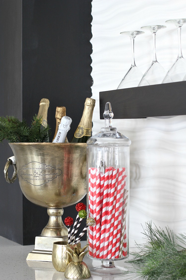 modern-home-bar-christmas