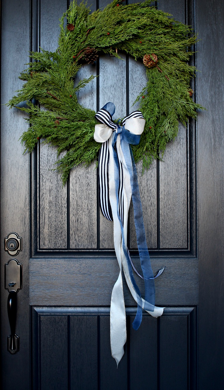 welcome-home-christmas-porch-2