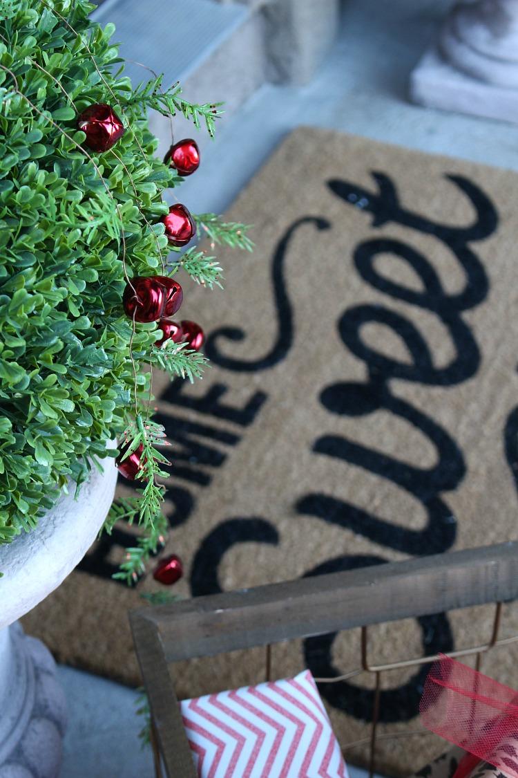 welcome-home-christmas-porch-6
