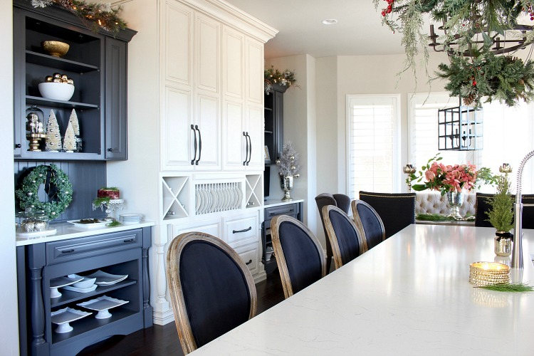 white-grey-kitchen-christmas