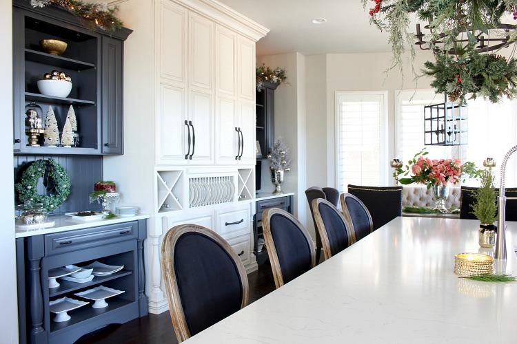 white-grey-kitchen-christmas