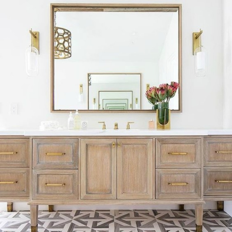 natural-wood-vanity-tiffany-gray-harris