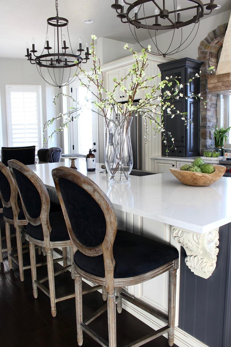spring-home-tour-kitchen-2