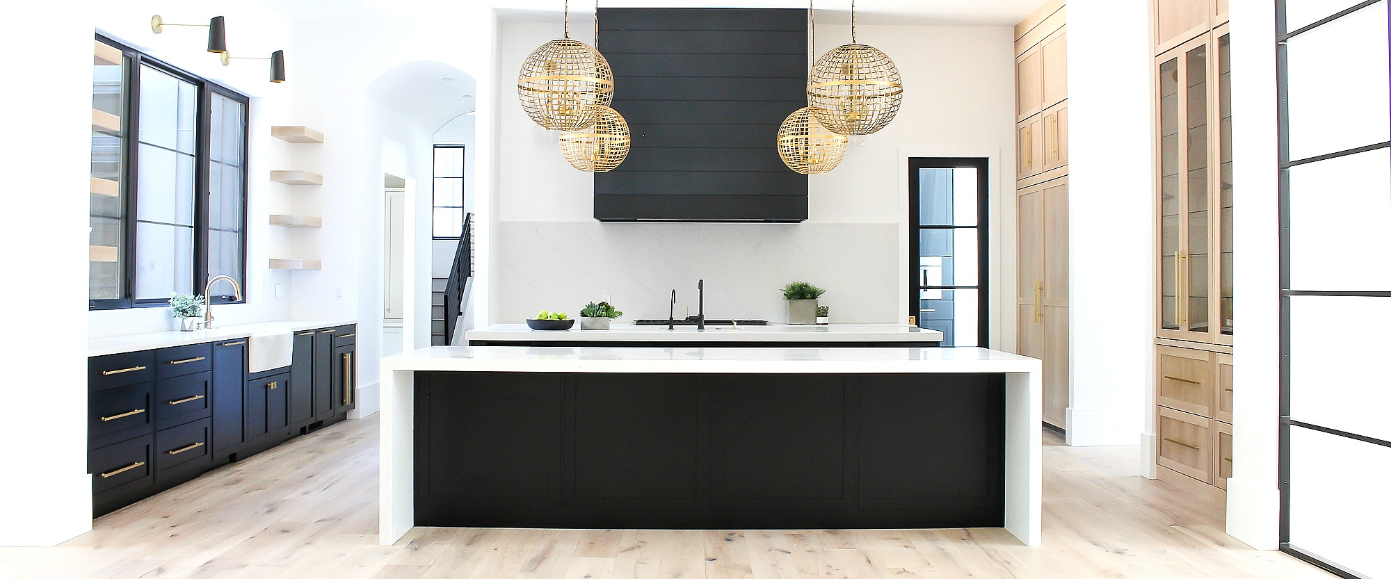 2000-beautiful-modern-black-white-oak-gold-kitchen-3
