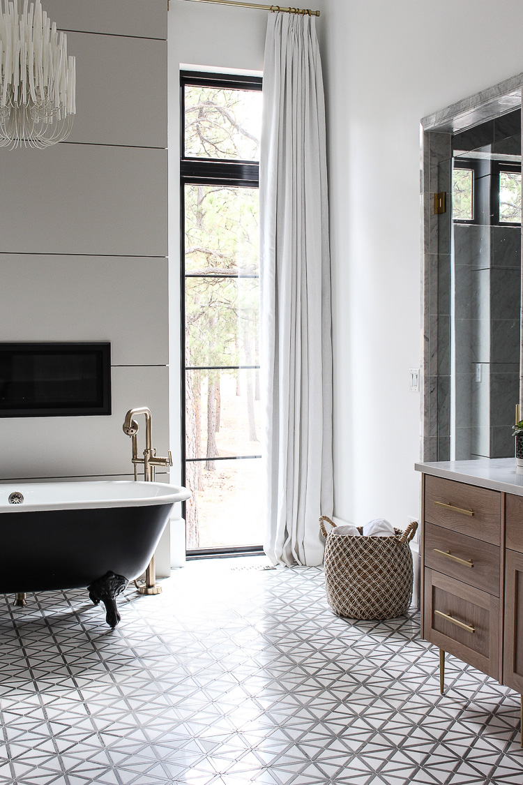 Elegant Drapes In The Master Bathroom The House Of