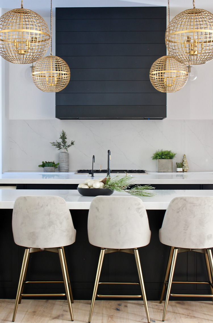 christmas-decorations-modern-kitchen-black-shiplap-hood