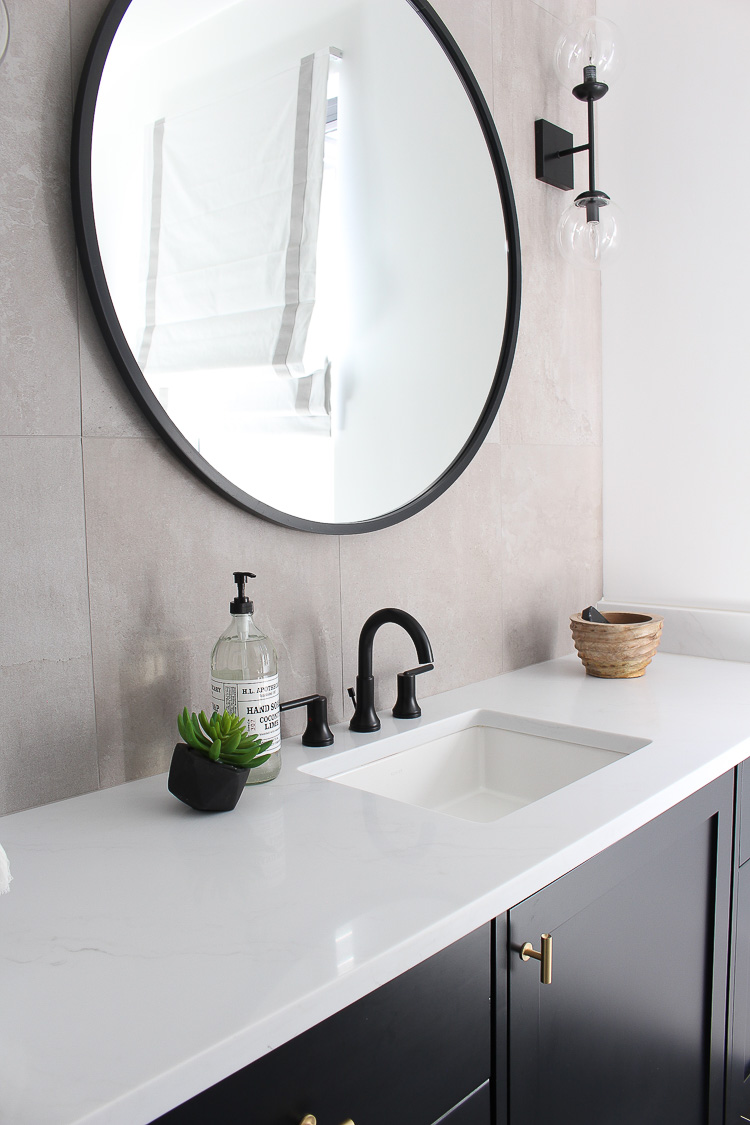 transitional-modern-bathroom-concrete-look-wall-tiles