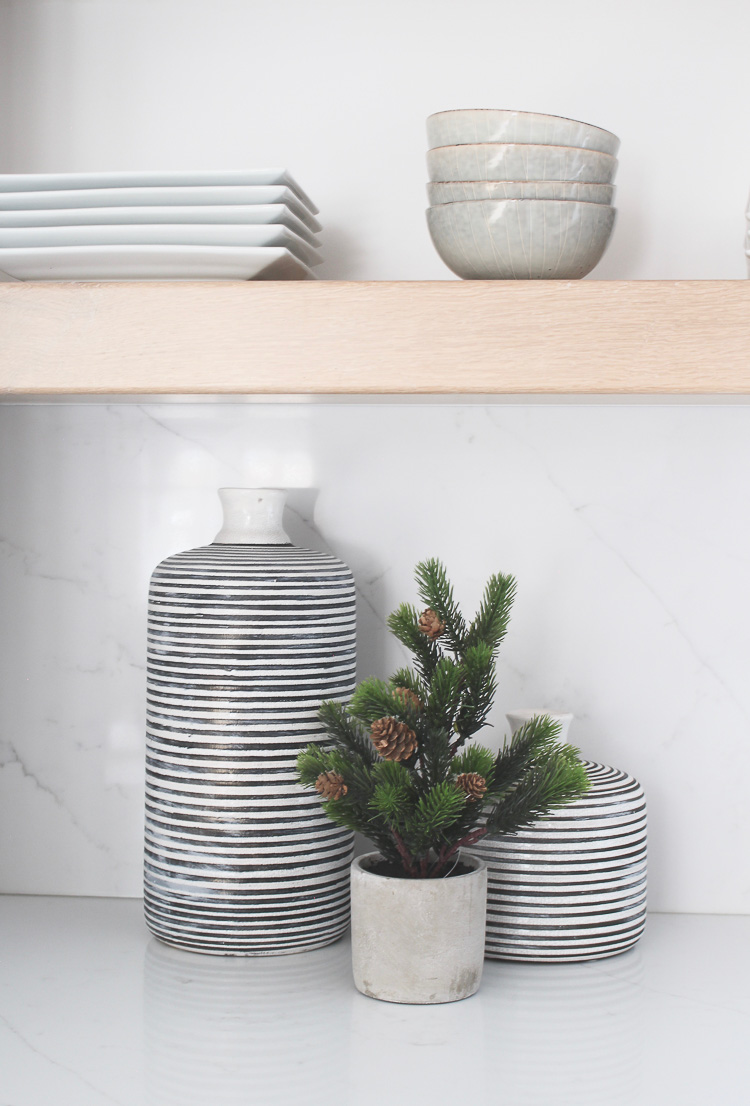 simple-natural-scandinavian-christmas-kitchen