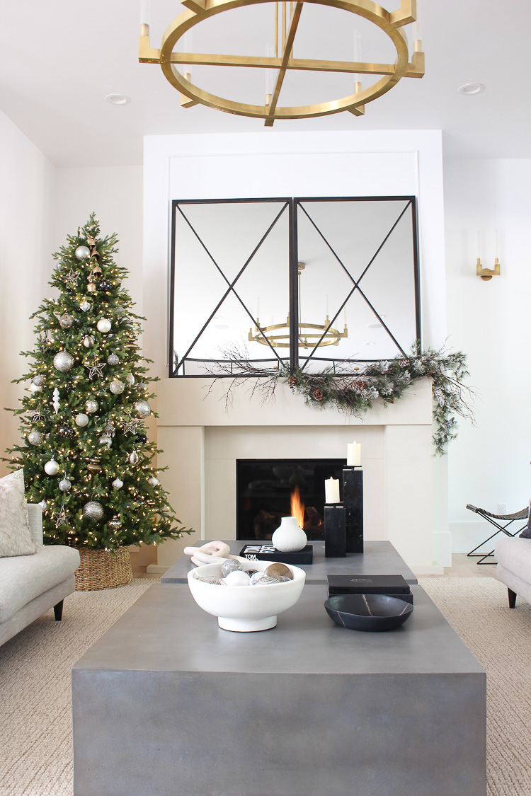 contemporary-modern-christmas-decor-living-room