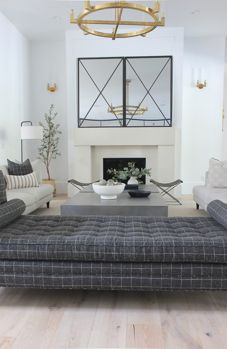 handsome-modern-classic-daybed-windowpane-fabric